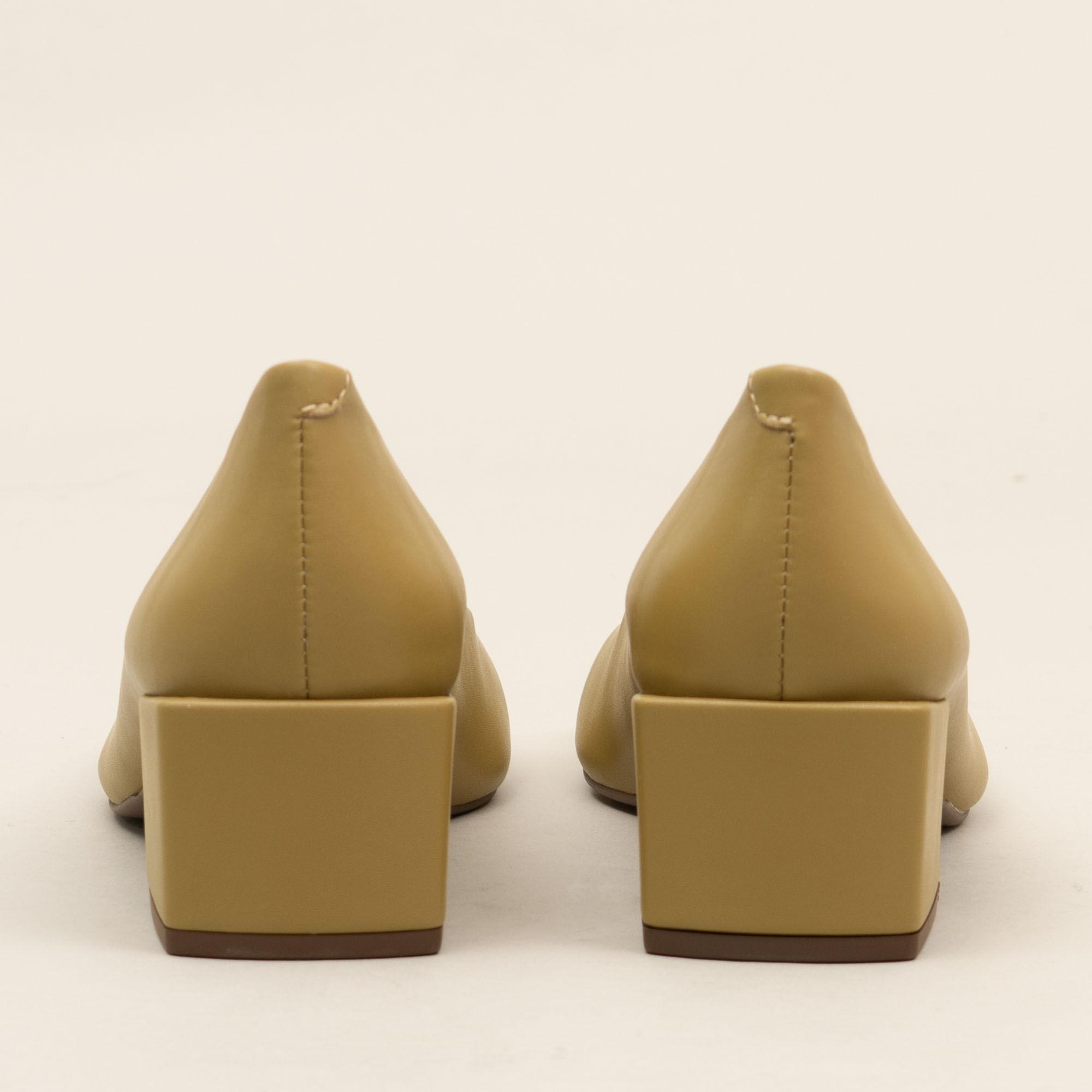 Scarpin bico quadrado - OLIVE